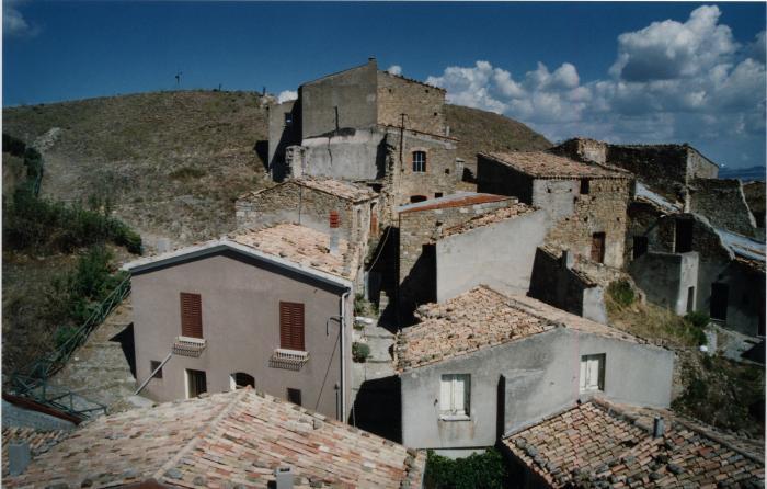 Cairano, Borgo Castello