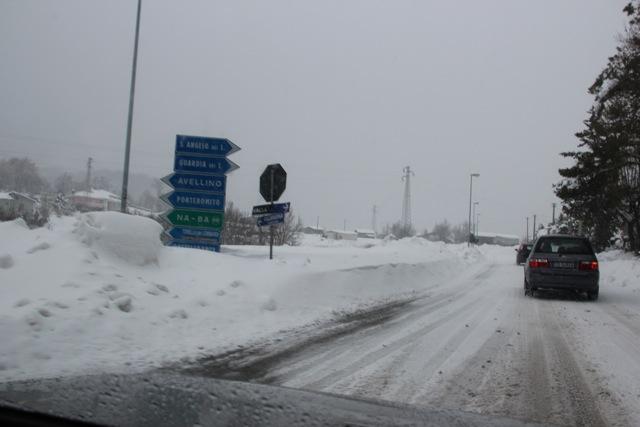 verso il pronto soccorso _ 7.2.2012 dopo 4 giorni di disagi per neve (2/6)