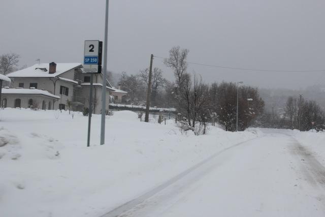 verso il pronto soccorso _ 7.2.2012 dopo 4 giorni di disagi per neve (4/6)