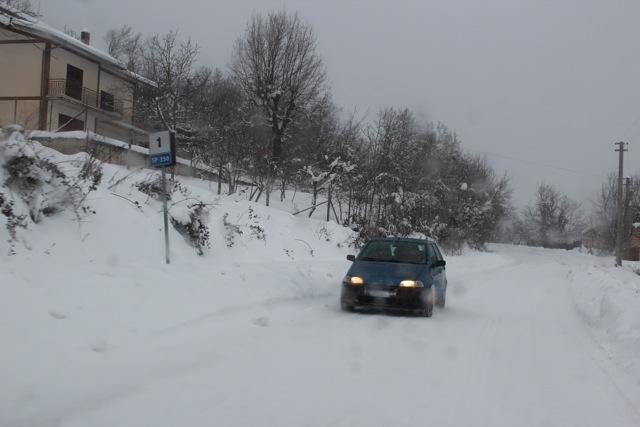 verso il pronto soccorso _ 7.2.2012 dopo 4 giorni di disagi per neve (5/6)