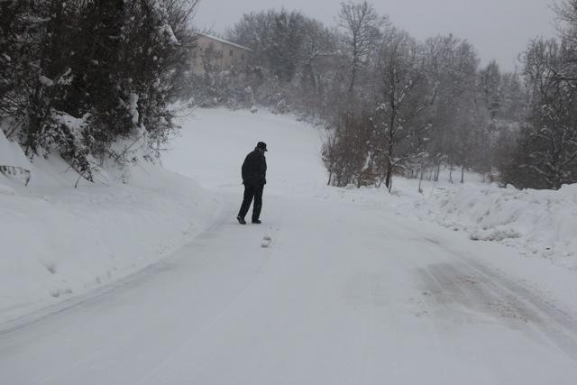 verso il pronto soccorso _ 7.2.2012 dopo 4 giorni di disagi per neve (6/6)