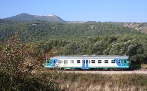 la ferrovia nei pressi di Monteverde (Av)