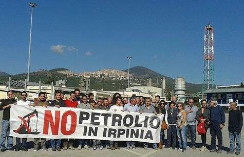 27.10.2013 _ il Comitato NO PETROLIO in Irpinia in visita in Val d'Agri.