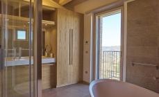 Casa D., Cairano _ vista dall'interno bagno _ Angelo Verderosa Architetto